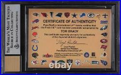 2000 Fleer Autographics Silver Tom Brady ROOKIE RC AUTO /250 #17 BGS 8.5